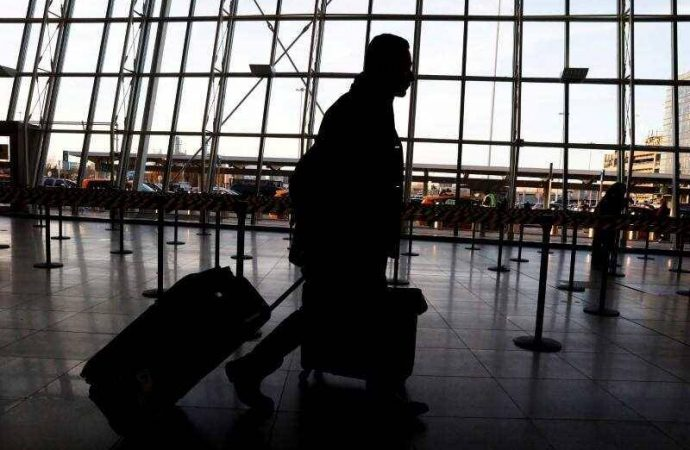 Flights to UAE: Travel agents in India warn of scams targeting stranded residents – News
